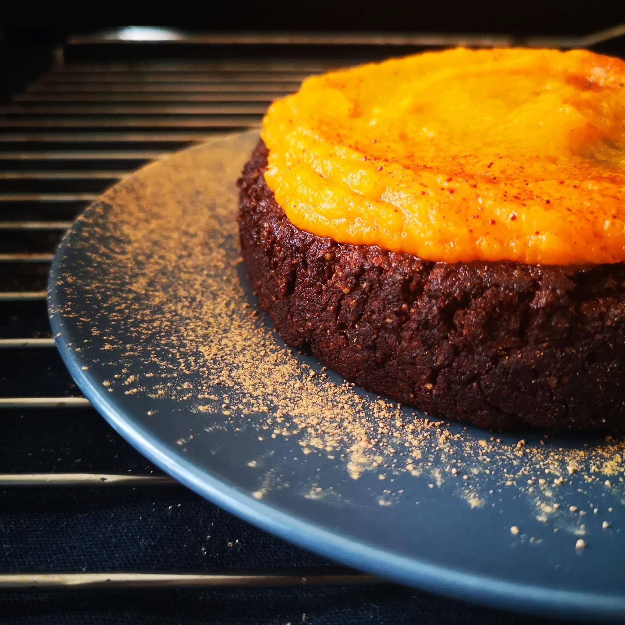 Мека шоколадова торта с тиква