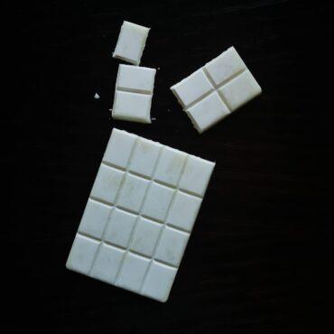 Кокосов шоколад